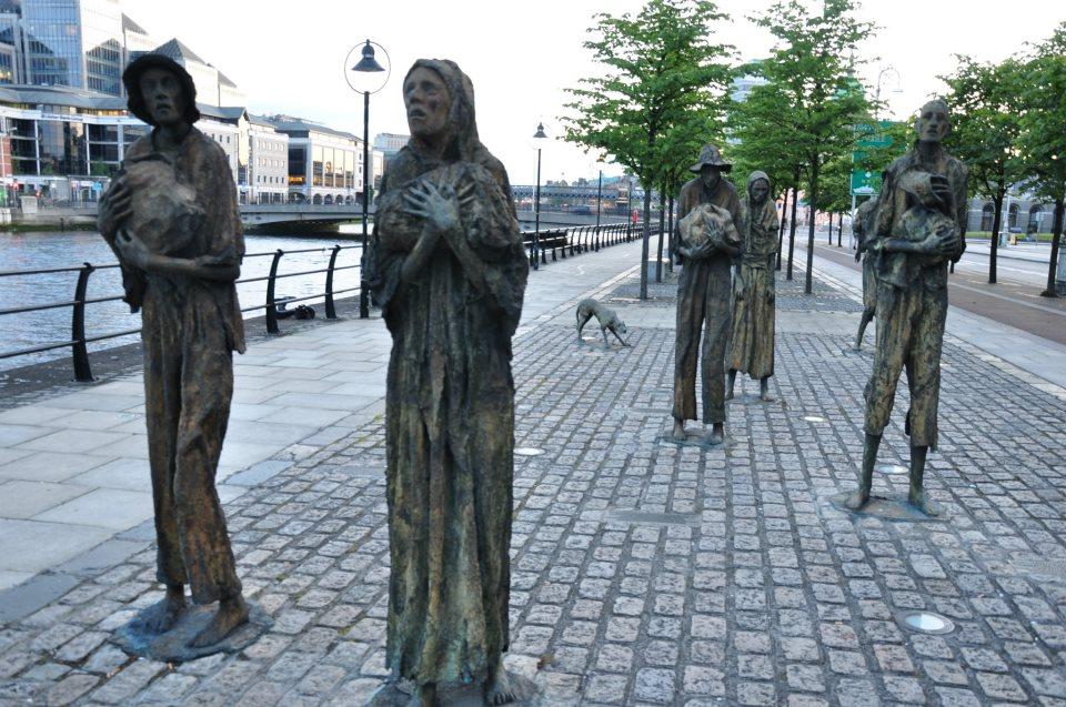 4. Памятник пострадавшим от голода в Дублине! Чем то напомнил недавно установленный в Астане по схожей тематике